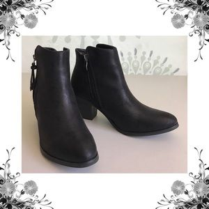 {N.Y.L.A.} Ayita Black Shimmer Ankle Boots